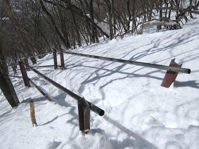 駒ケ岳登山道の階段