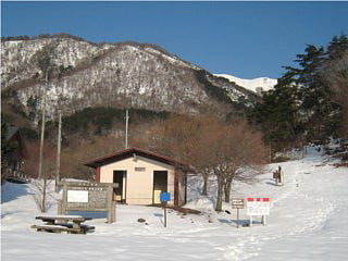 赤坂山登山口