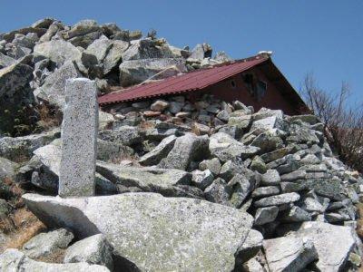 前常念岳の石室