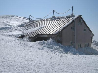 大山頂上小屋