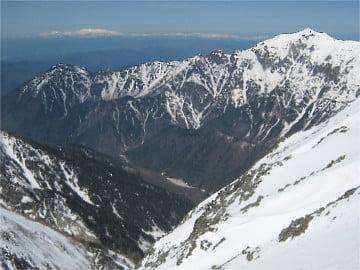 笠ヶ岳と白山