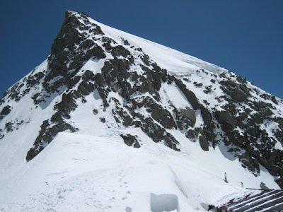 穂高岳山荘より奥穂方向