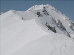 山頂へ向かう稜線