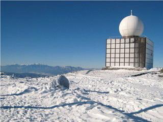 気象レーダーと中央アルプス