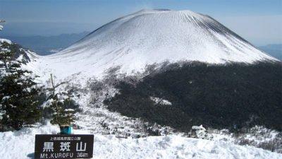黒斑山山頂から浅間山を望む