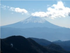 瑞牆山山頂から見る富士山
