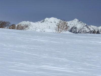 穂高岳を望む