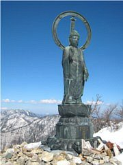 釈迦ヶ岳山頂の釈迦如来像